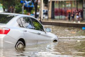 大規模水害に見舞われた鄭州が、二次災害とも言える状況に陥っている。電子決済化が急速に普及した中国だが水害による停電により、SNSも使えず、買い物やタクシー、地下鉄に乗ることすらできなくなっているというのだ。(イメージ写真提供:123RF)