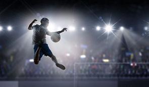中国メディアは、中国の著名キャスターが「日本サッカーは選手を惜しみなく海外に送り込むのに、中国は逆に海外から寄せ集めている」と評したと報じた。(イメージ写真提供:123RF)