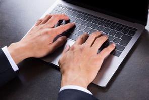 中国のポータルサイト・百度に18日「直視できない! 日本企業の公式サイトが新型コロナによってこんなに変化してしまっている」とする記事が掲載された。
