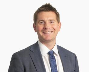 英国に本拠を置くアバディーン・スタンダード・インベストメンツは、約61兆円の運用資産残高を有し、英国最大級、かつ、世界でも有数の大手運用会社だが、小型株式に特化した運用チームを持っている。ユニークで実践的な世界小型株式戦略について、アバディーン・スタンダード・インベストメンツのインベストメント・スペシャリストであるグラハム・マックロウ氏(写真)に聞いた。