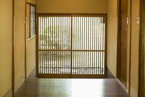 清潔で暮らしやすく見える日本の家屋。部屋自体が小さく、空間が限られているマンションなどでも快適な間取りの家が多いが、その秘密とは何か。(イメージ写真提供:123RF)