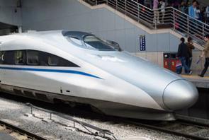 中国は、現在の高速鉄道技術は自主開発したものだと主張しているが、「外国の技術をパクったものだ」との声は根強く存在し、中国人の自尊心を傷つけているようだ。(イメージ写真提供:123RF)