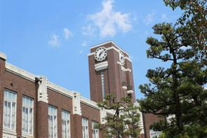 中国のポータルサイトに、日本留学中の論文の不正が発覚し、大学の博士号を剥奪された女性が、勤務先である上海の大学を解雇されたとする記事が掲載された。(イメージ写真提供:123RF)