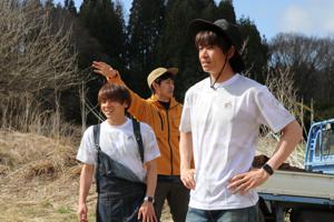 エフコネファームの活動をスタートした梶川選手(左)・三橋氏(中)・小池選手(右)